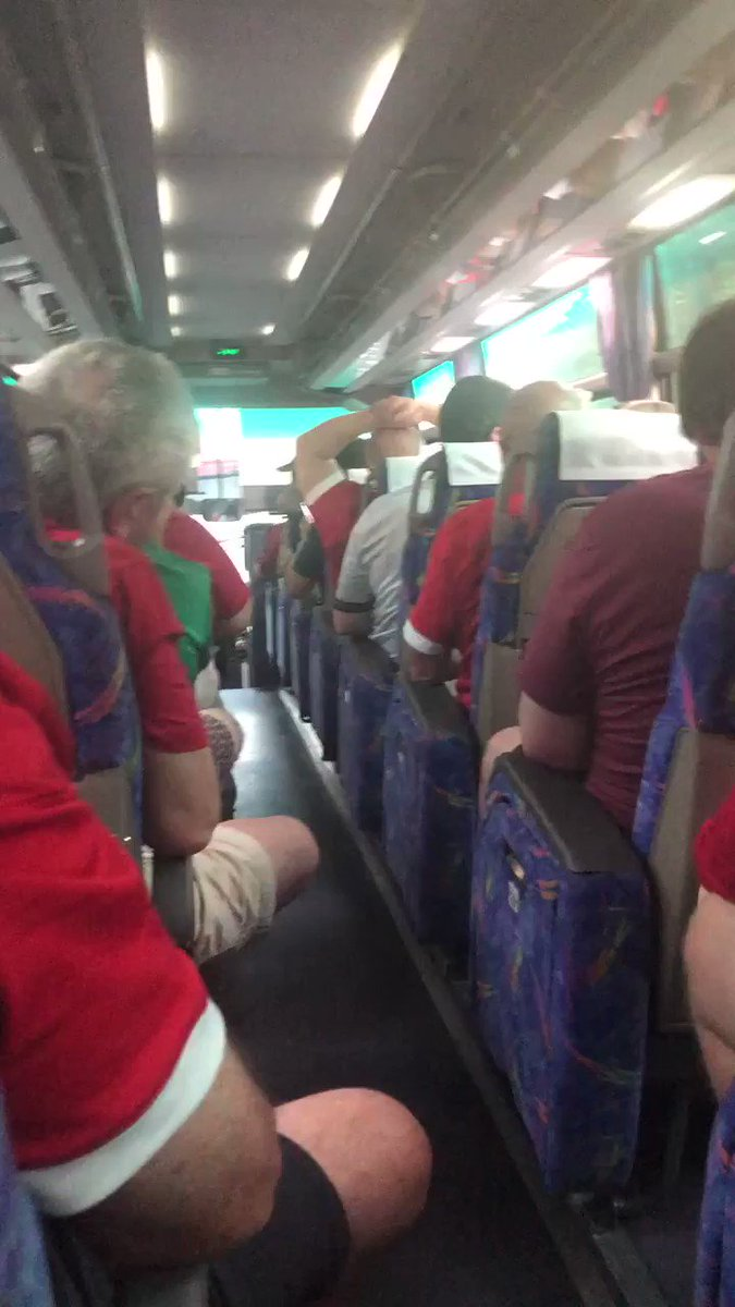 On the way to Oita stadium from the fanzone #walvfij ... What a voice!!! 🎶 Who is this man? Fantastic atmosphere on the bus! #wales #Cymru @WelshRugbyUnion @rugbyworldcup @BBCScrumV @ITVWales @BBCWales #Fiji #RWC2019