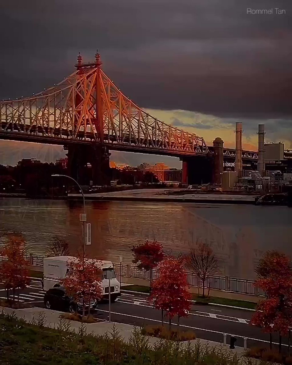 #QueensboroBridge Watch the full video and photo in my Instagram  #rooseveltisland #sunset #sunset_pics #fallfornyc #sunsetlover #timeoutnewyork   #fatalframes #fallvibes #newyork  #moodygrams #nyclife #igtones #tonekillers  #fallinnyc #abc7ny  #newyorkcity #nycgo #instanyc pic.twitter.com/cU7pfIkDK2