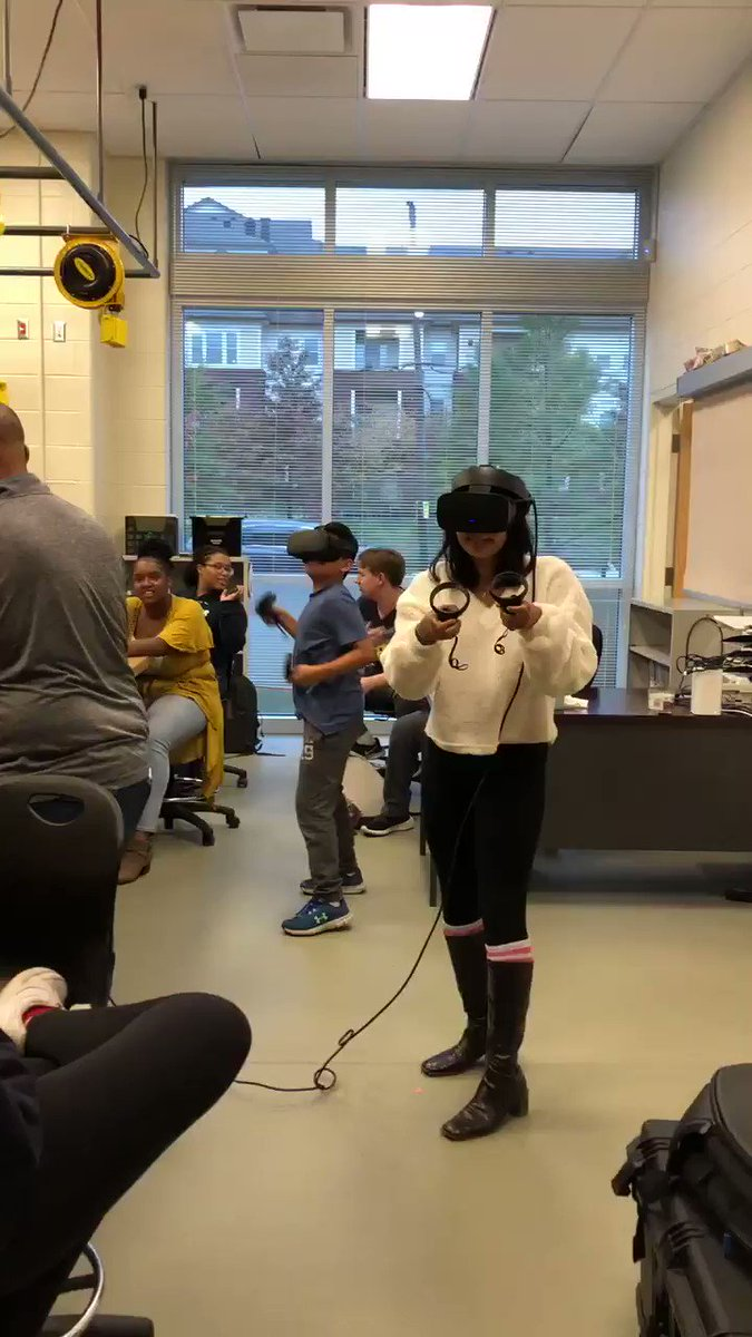 Everyone got in on the fun! Wakefield STEM Club & <a target='_blank' href='http://search.twitter.com/search?q=VirtualReality'><a target='_blank' href='https://twitter.com/hashtag/VirtualReality?src=hash'>#VirtualReality</a></a> -amazing experience. <a target='_blank' href='http://twitter.com/principalWHS'>@principalWHS</a> <a target='_blank' href='http://twitter.com/wakefieldptsa'>@wakefieldptsa</a> <a target='_blank' href='http://twitter.com/APSVirginia'>@APSVirginia</a> <a target='_blank' href='http://twitter.com/APS_OEE'>@APS_OEE</a> <a target='_blank' href='http://twitter.com/CharlesRandolp3'>@CharlesRandolp3</a> <a target='_blank' href='http://twitter.com/APS_STEM'>@APS_STEM</a> <a target='_blank' href='http://twitter.com/APSGifted'>@APSGifted</a> <a target='_blank' href='https://t.co/xXIYMDZNQl'>https://t.co/xXIYMDZNQl</a>