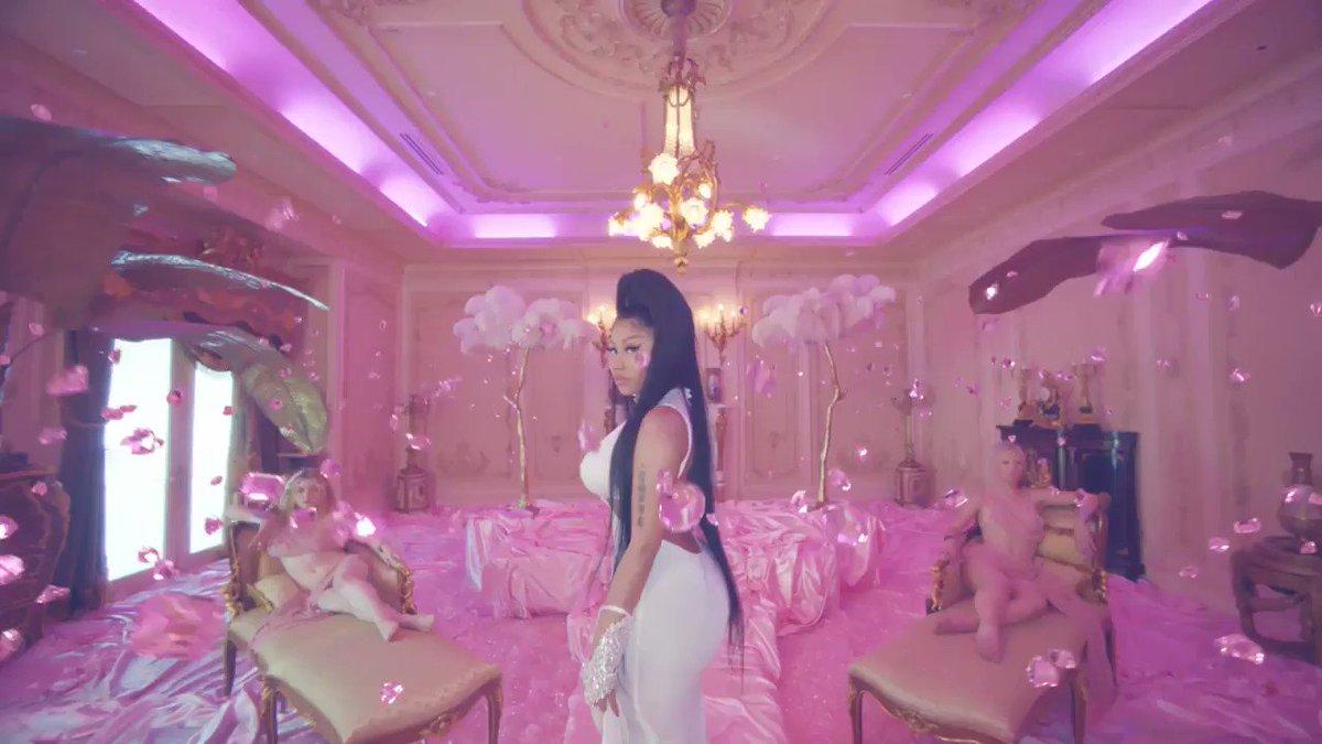 "Karol G and @NICKIMINAJ's ""Tusa"" surpasses Billie Eilish's ""Bad Guy"", becoming the 8th most viewed music video released in 2019 (914.3M)."