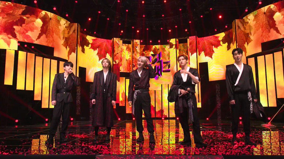11월 8일 #StudioK 직캠 공지! #몬스타엑스 #MONSTA_X #FOLLOW @OfficialMonstaX ※ 아무것도 없을 때 가장 아름다운 나의 아이돌, StudioK에서 함께하세요! ▶ youtu.be/cmPNKUaRNTY