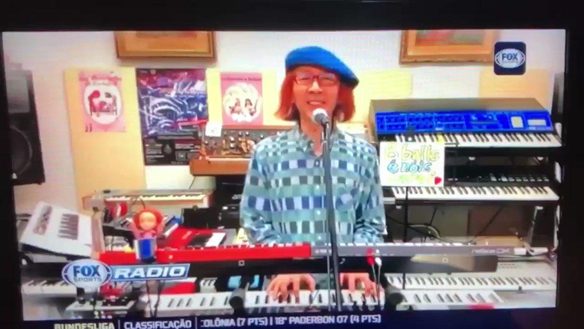 """昨夜、ブラジルの全国TV番組""""Fox Sports""""に、日本に居ながら出演する私(爆)❗️実況ご覧あれ‼️ (≧∀≦) Last night I appeared on the national TV program """"Fox Sports"""" in Brazil❗️This is a live broadcast‼️   #渡辺邦孝 #KunitakaWatanabe #デスクリムゾン #山水館 #8Balls #CanetaAzul #BluePen"""