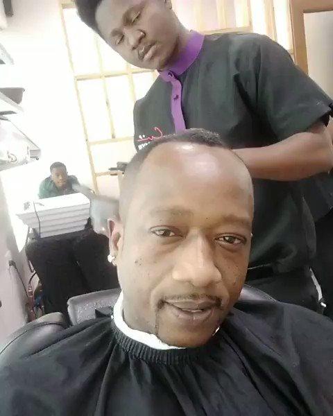 Shida yangu mimi ni kwanini Top amuite mwenzake Lucas Mkenda badala ya jina wengi tunalolijua la Mr Nice 🤣😂😂😆😆