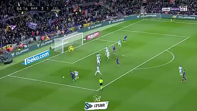 4-1 Barcelona. Busquets scores with a great strike from outside the box.  Sergio busquets Goal  #BarçaCelta   #Sergio