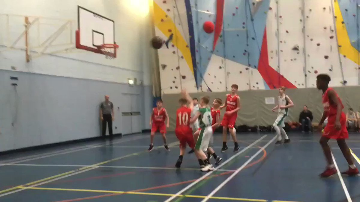 Another learning experience for the #U14 White team away v @McrGiants White y'day  We saved the best to last, drawing the final 1/4.   Final score Wire 42 : Giants 81  Some Wire highlights below👇🏼  #nevergiveup #fightingspirit #stilllearning #basketball #Cheshire