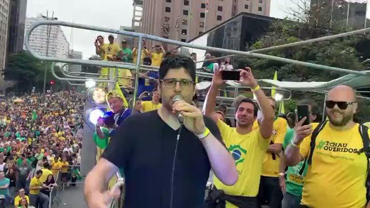👑Atenção @RodrigoMaia e @davialcolumbre , vocês vão ouvir a voz que vem das ruas ou vão insistir em nos ignorar?