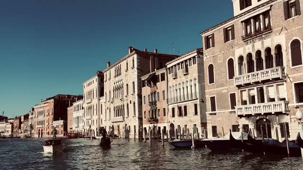 A tootle along the Grand Canal