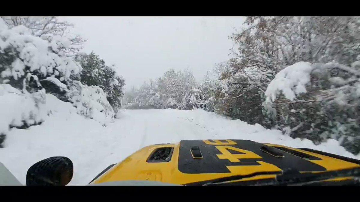 Siempre mola ver la primera nevada! Día completo: entrenar, votar, comer y disfrutar de la naturaleza! @CyLesVida