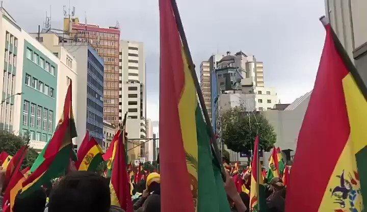 "Image for the Tweet beginning: ""Maduro sigues tú"", el grito"