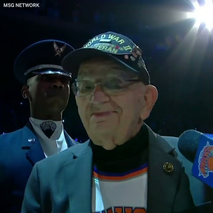 96 year-old World War II veteran Pete DuPré played the national anthem on his harmonica before the Knicks game Sunday 🇺🇸