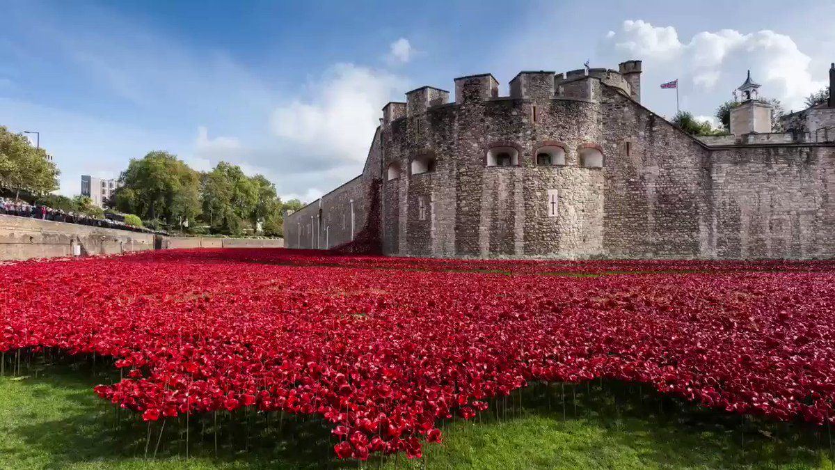 At the eleventh hour on the eleventh day of the eleventh month - we will remember them. #ArmisticeDay #LestWeForget bit.ly/TowerAtWar