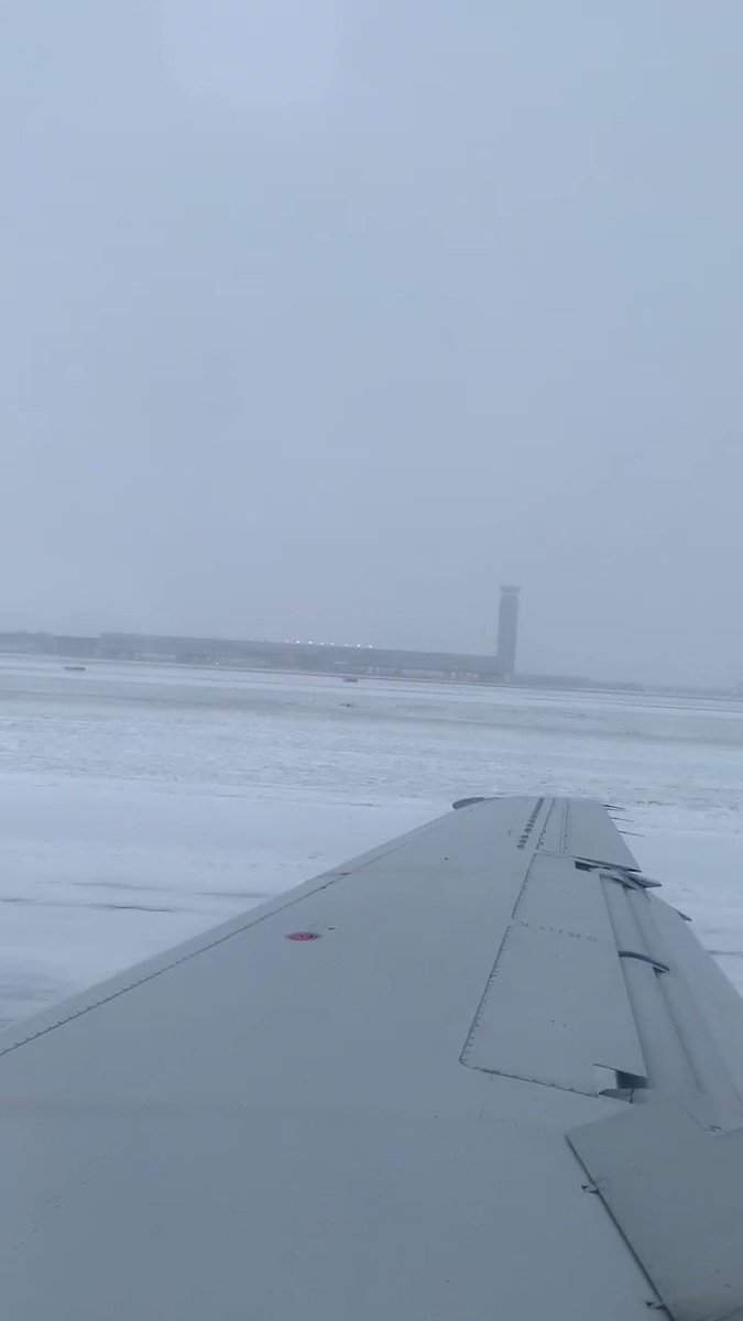 Chicago weather: Plane skids off O'Hare runway amid heavy snow