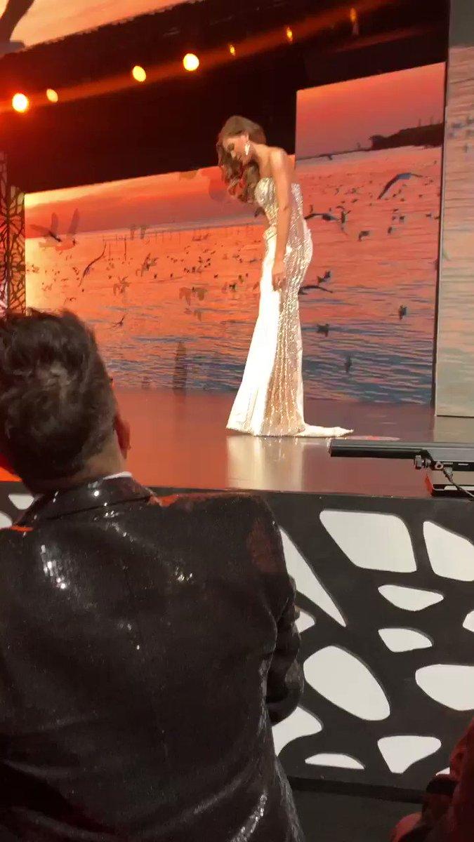 Aplaudo la gallardía de la reina de #Cesar no sé descontrolo y sigue adelante #senoritacolombia #MissColombia #ConcursoNacionalDeBelleza https://t.co/UwaOjR9hBB