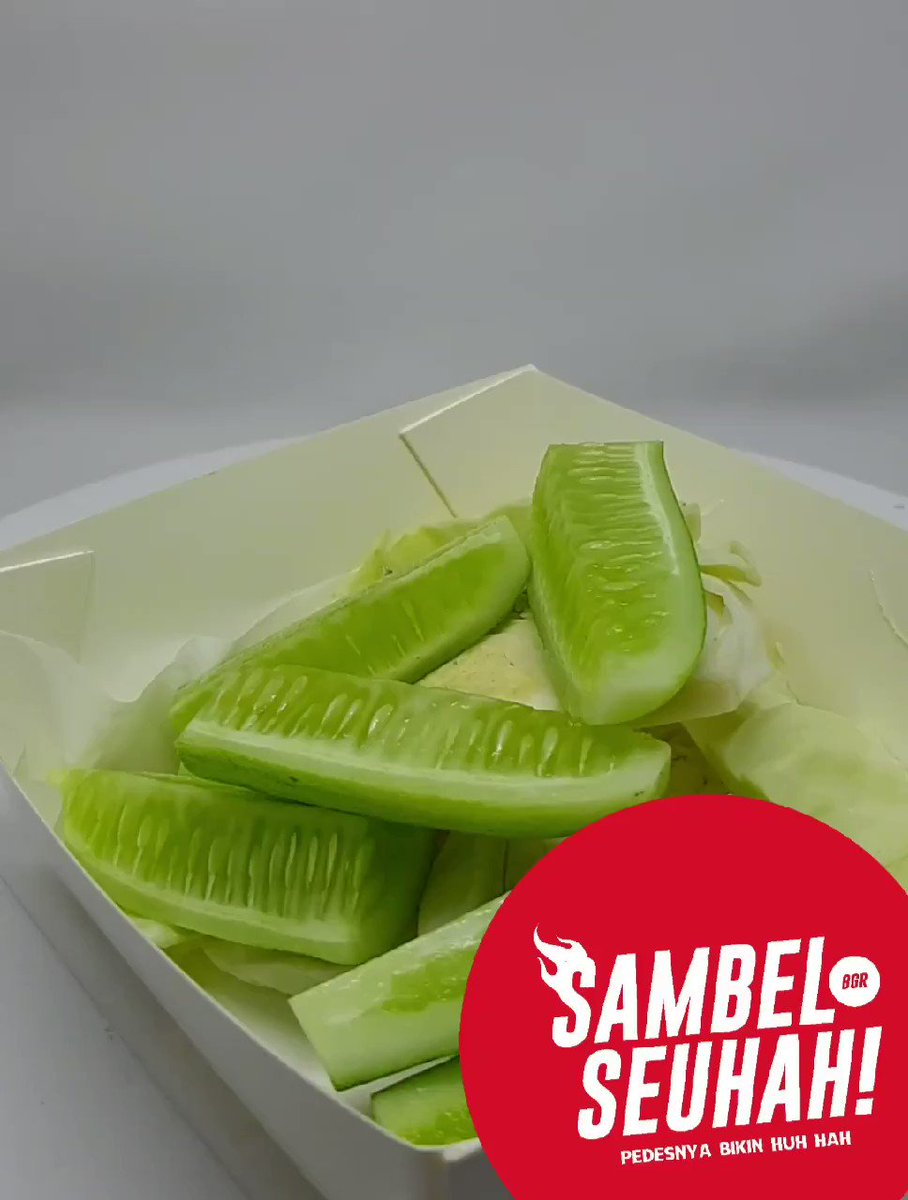 Lalapan yang didapet dari Sambel Seuhah! kurang? Tambah aja, cuma GOCENG!Sambel Seuhah! Bogor, Pedesnya Bikin HUH HAH!Order via Go-Food & Grab Food, atau langsung WhatsApp saja ke: +6281211516500#Sambel #Seuhah #Pedes #Pedas #Kuliner #Bogor #KulinerBogor #Delivery #GoFood