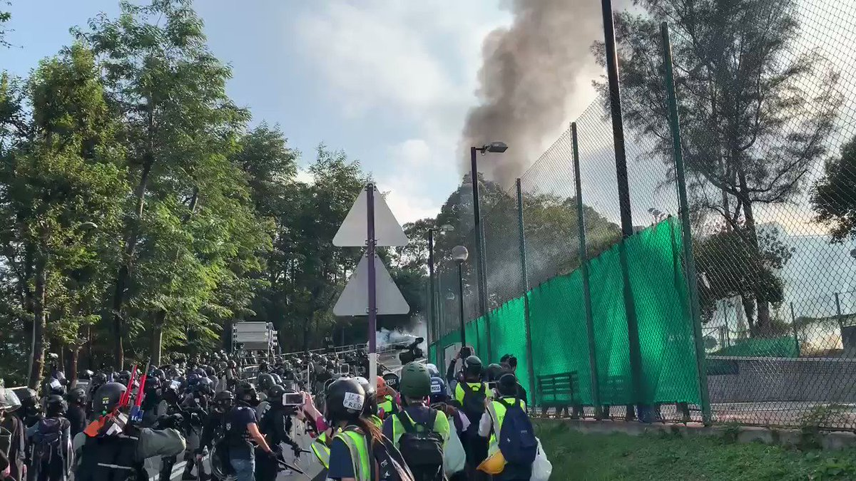 Police has been firing tear gas non stop in CUHK. More than 15 mins now. #antielab #hongkongprotests