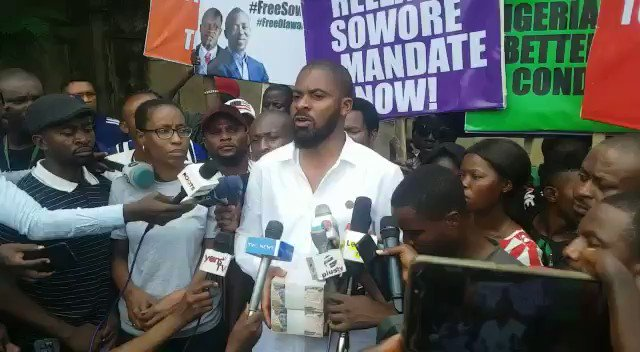 FLASH: Rights Activist @adeyanjudeji Offered N1million At Gunpoint To Suspend #FreeSowore Protest, Vows To Continues