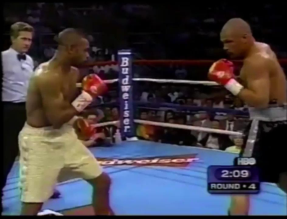 One of the best body shots you'll ever see courtesy of Roy Jones Jr. when he stopped Virgil Hill. https://t.co/hfAWZtFNcs