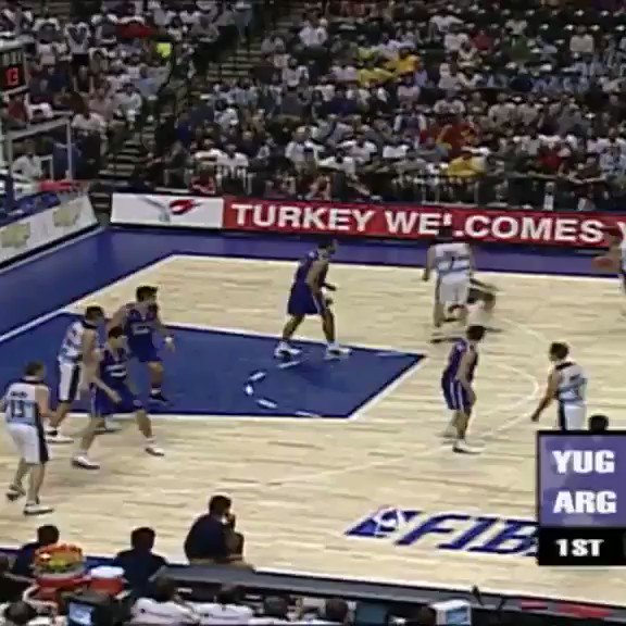 How to start a game, exhibit A! @cabboficial's 🇦🇷 Ruben Wolkowisky opens up the 2002 #FIBAWC Final with a bang 💥!⁣ ⁣ 📺 Tune in Thursday at 15:00 CET on http://Facebook.com/FIBAWC  to watch the full game!