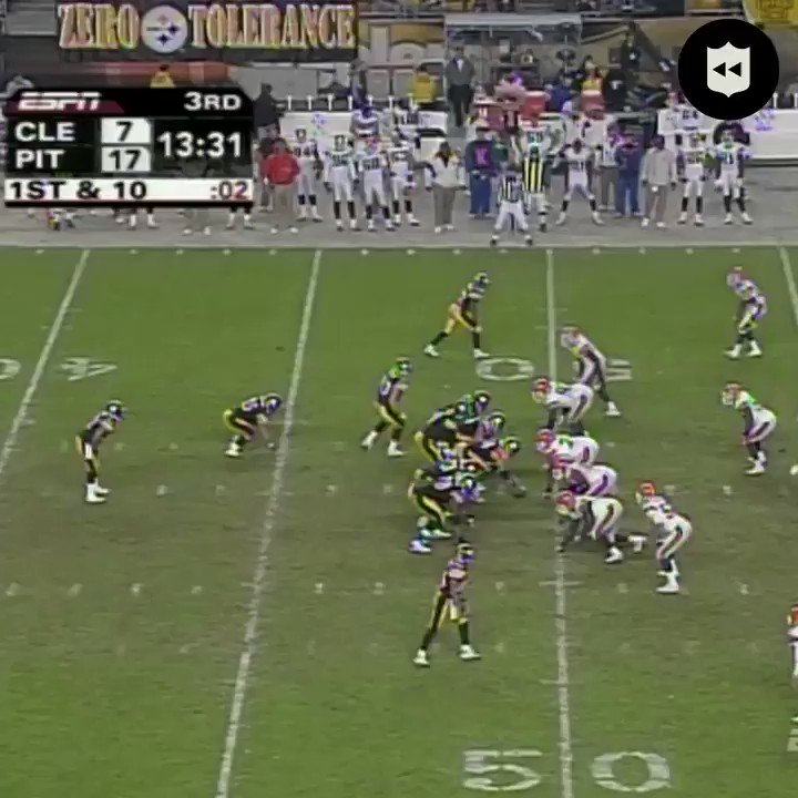 The @steelers executed this play against the Browns three months before running it again in @SuperBowl XL. (Nov. 13, 2005) @TheRealRandleEl | @mvp86hinesward | @steelers #PITvsCLE: Thursday (8pm ET) on @nflnetwork | @NFLonFOX | @PrimeVideo