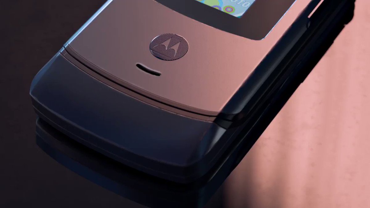 You're gonna flip!  #razr #bethefirst #motorolarazr #feeltheflip http://bit.ly/2NBZl7Z