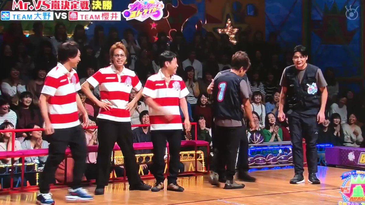 アニキを真ん中に移動させる上田くん好きだよ😭良かったねアニキの役に立てて😭