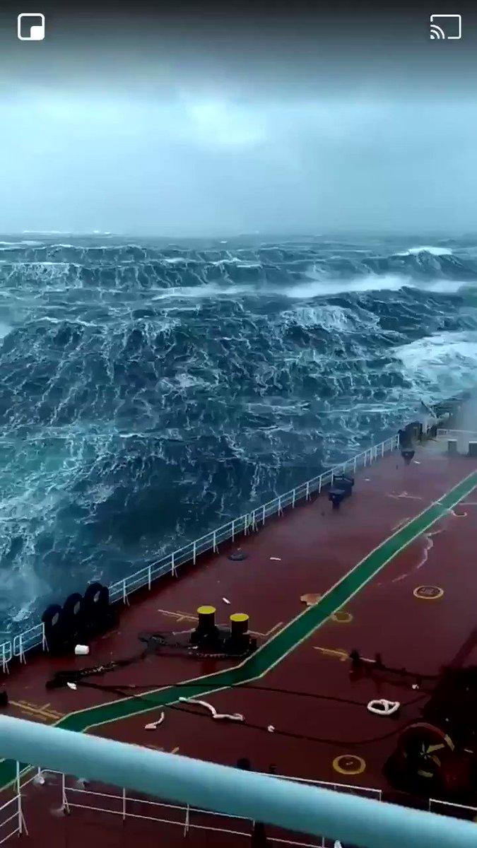 海ほど恐ろしくて美しいものは無い