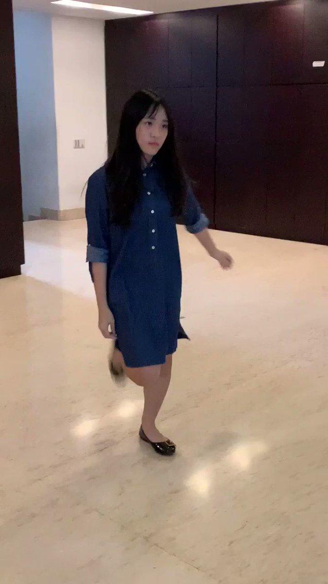 本日の会社で踊ってみた!は、タン・ジー・フイ・セリーヌ18歳160cmニックネームセリーヌ応援宜しくお願いします^ ^Terima kasih.Selamat Tidur!#JKT48#Celine