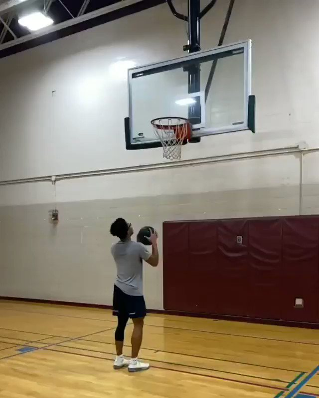 Crazy. 59 doing this off vertical makes no sense. (via @jumpsbychi on IG)