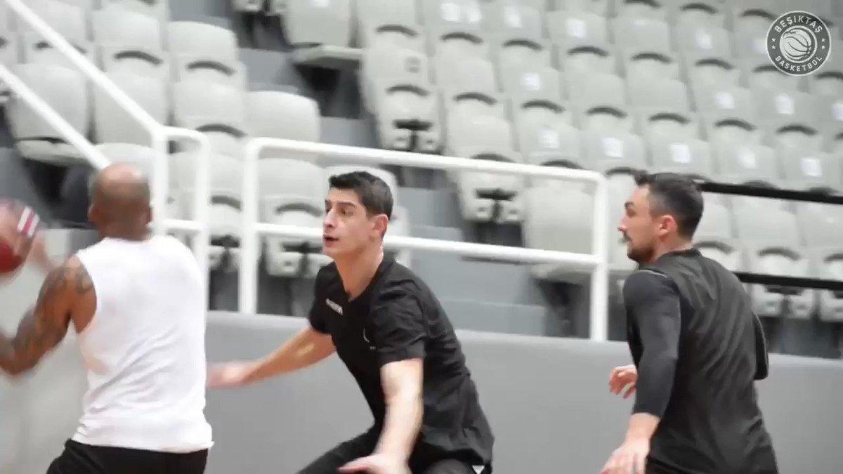 #BeşiktaşSompoSigorta Takımımız, Frutti Extra Bursaspor maçının hazırlıklarını sürdürdü 🦅 #Beşiktaş