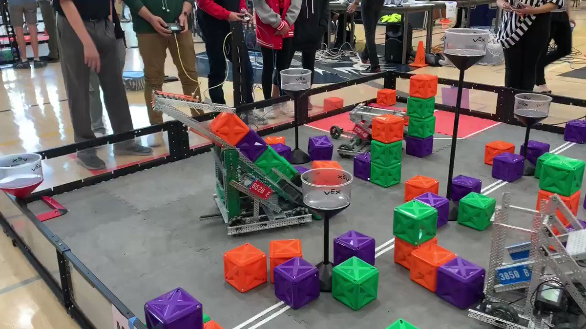 Great to see so many future designers and engineers at today's VEX Robotics Competition! Proud of our pack for both hosting and competing. ❤️🐺#mcbridepride #proudtobelbusd @VEXRobotics