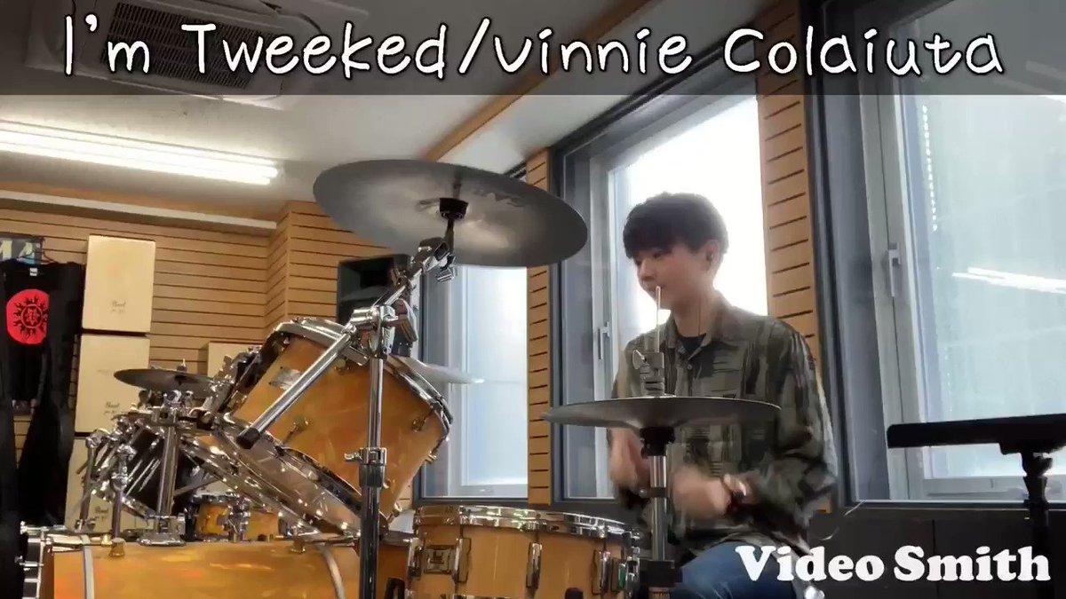 【#叩いてみた】初の叩いてみた動画です㊗️動画編集の練習がてら仕事の空き時間に撮ったやつなので、クオリティはご勘弁…🙇♂️しかし、初の叩いてみた動画には明らかに適さない曲だよな…#drums #drum #VinnieColaiuta#ImTweeked #canopus