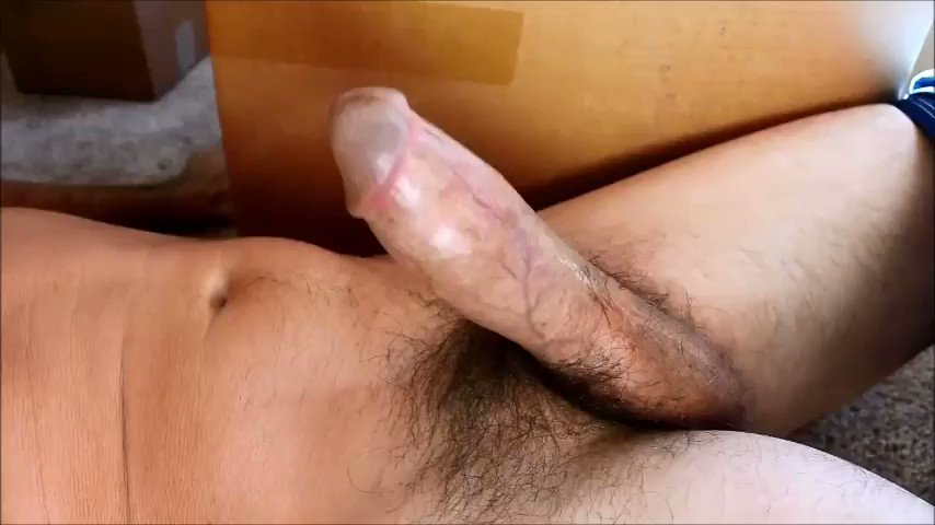 Hands free big cock cumshot
