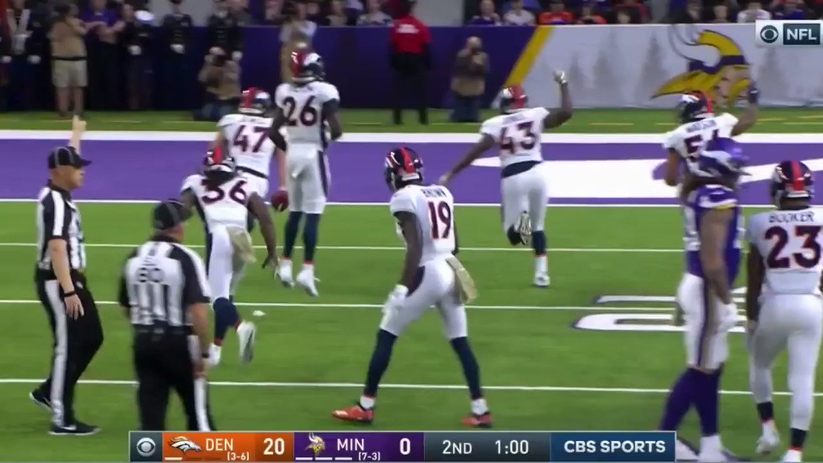 FOX Announcer's Reaction To Vikings' 1st Half Is Going Viral