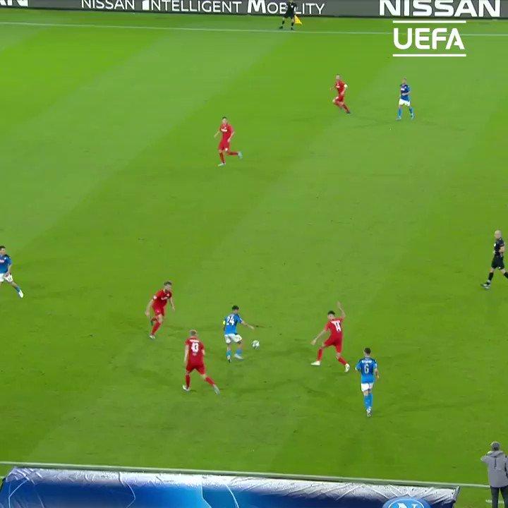 Hirving Lozano's 1st  #UCL goal for Napoli    #MondayMotivation |  @en_sscnapoli