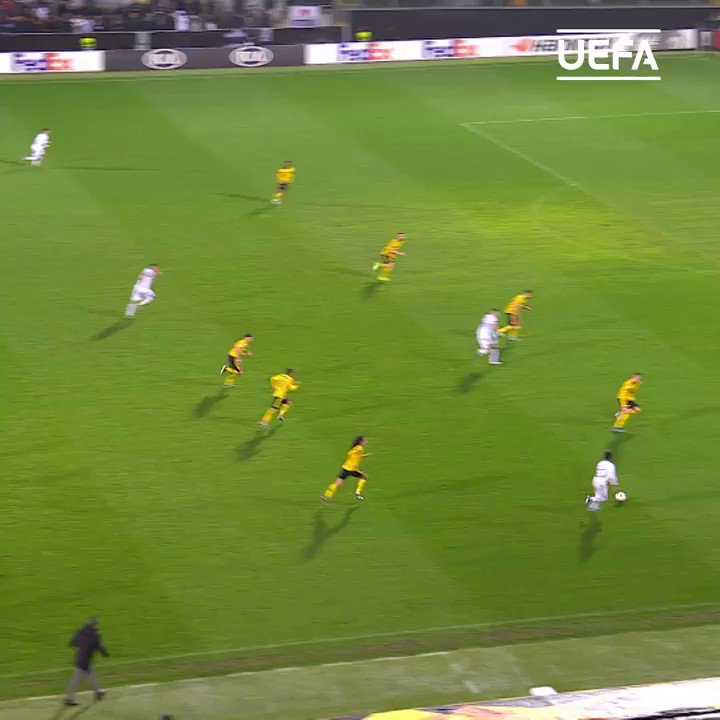 Class Bruno Duarte scissor kick = 👏👏👏  #UEL | @VitoriaSC1922