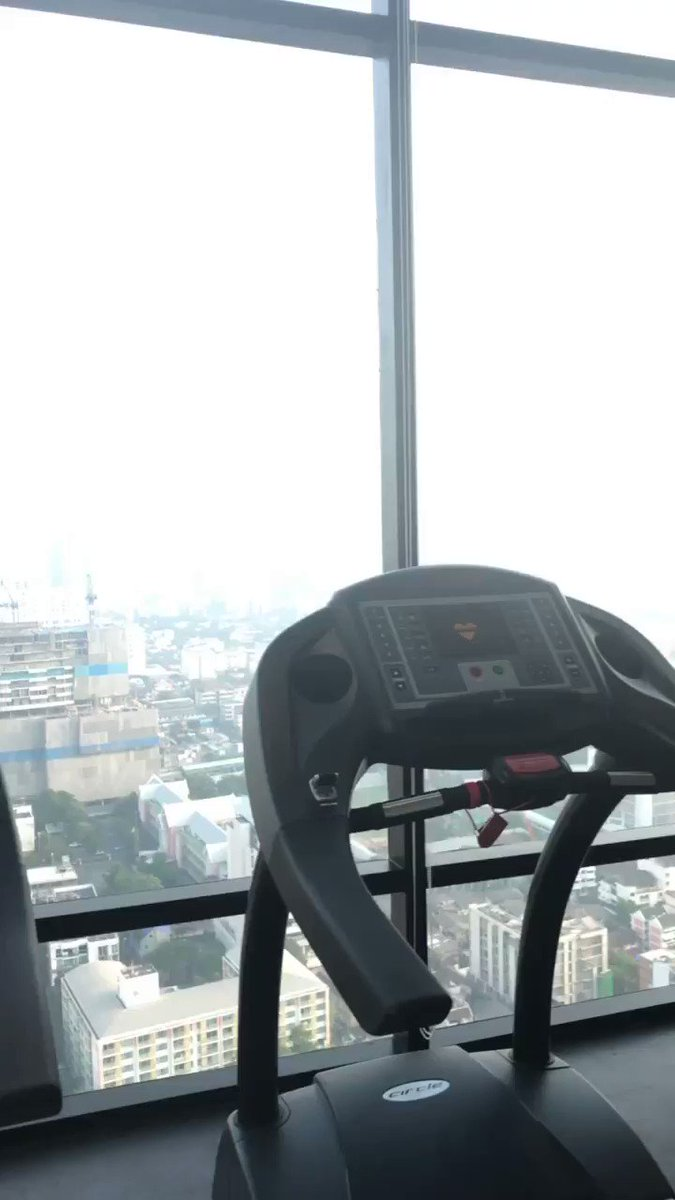 Good morning #bankok what a gym! #MorningMotivation #fitspiration #healthybody #healthymind #gym #winning #liveyourbestlifepic.twitter.com/E0NpVrGhSZ