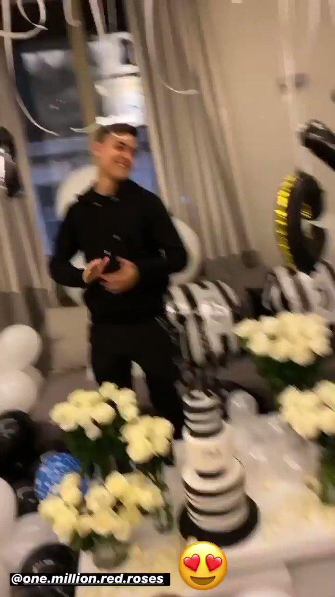 Un compleanno in bianconero per Dybala 💎😍⚪️