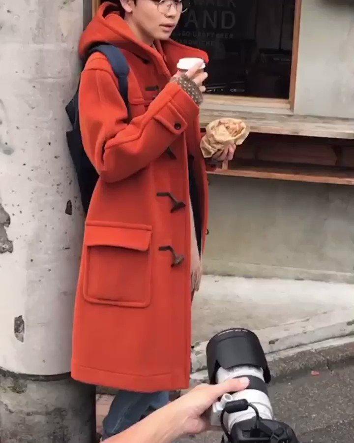 オレンジのコートがお似合いの宮世さん🍊ホットサンドを食べながらの、あざとかわいいショットいっぱい頂きました💕#末っ子 #黄金マンネ #MILK  #ファッションブック #EBiDAN  #佐野勇斗 #板垣瑞生 #塩﨑太智 #吉田仁人 #山中柔太朗 #曽野舜太 #宮世琉弥