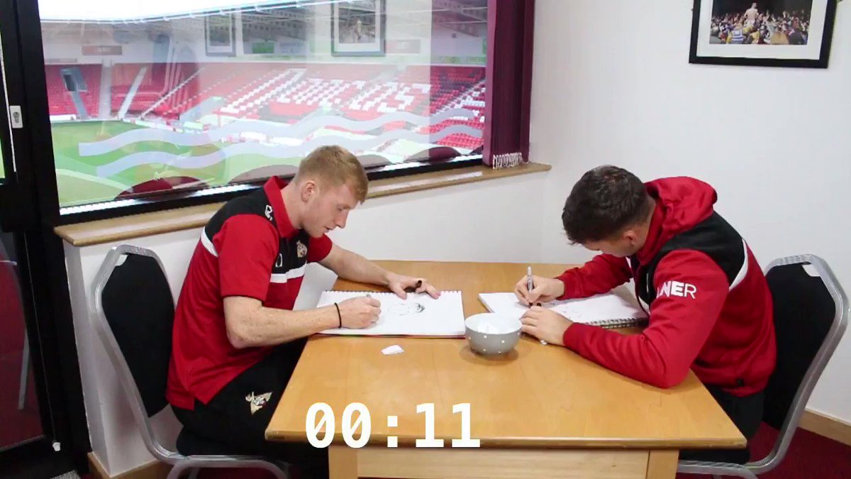 🎥 iFOLLOW| 🤔 Which of @Joewright47s team-mates has he drawn in this video? #DRFC Watch the full video by clicking the link below bit.ly/2D0b8H1