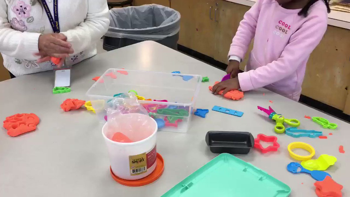PreK artists explore a variety of art materials and creative play during today's Art Party. <a target='_blank' href='http://twitter.com/APS_EarlyChild'>@APS_EarlyChild</a> <a target='_blank' href='http://twitter.com/meekim16'>@meekim16</a> <a target='_blank' href='http://twitter.com/APSArts'>@APSArts</a> <a target='_blank' href='http://twitter.com/CampbellAPS'>@CampbellAPS</a> <a target='_blank' href='https://t.co/0ulD2TuwM3'>https://t.co/0ulD2TuwM3</a>