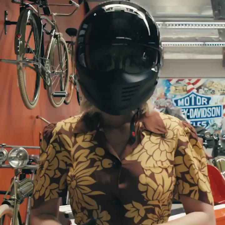 Hi, I'm Heather 👋🏼 #HarleysInHawaii 🏍🌺 katy.to/BikerReading