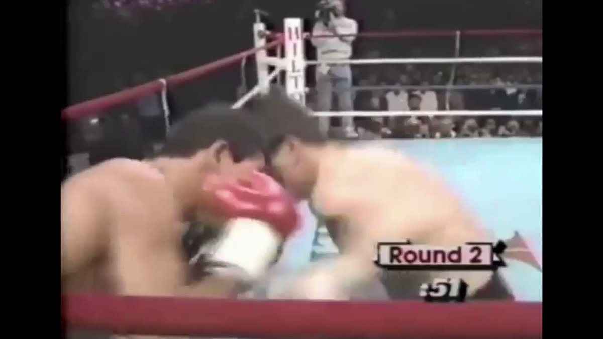 On this day 1987  Julio Cesar Chavez stopped Edwin Rosario in round 11 to win the WBA lightweight title and become a 2 weight world champion💥🥊  Many see this as his finest hour as he dominated the dangerous and experienced champion Rosario to move to 57-0  What a performance!