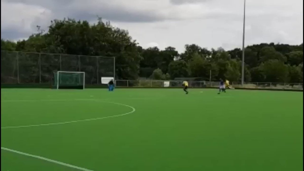 Tag a mate who can be very creative with finishes!We received this video from Harvinder Bhuhi. (@HockeyBinder) If you have some amazing hockey moments to share with us. Drop us an email.✉️: video@fih.ch #FridayFeeling #FanVideos