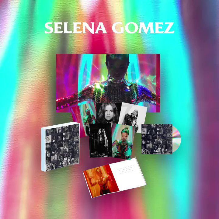 Check out the new merch and album bundles in my official store. 💕 smarturl.it/SelenaSG2/offi…