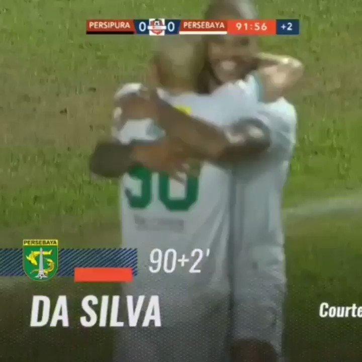 MAN OF THE MATCH!  David Da Silva menurut mimin menjadi Man Of The Match pada laga Persipura Vs Persebaya.  Satu Gol dimenit-menit akhir mengantarkan Persebaya merain poin penuh di Aji Imbut, Tenggarong malam ini.  #Persebaya #bajolijo #greenforce #CrocodileNews #bonek #bonita