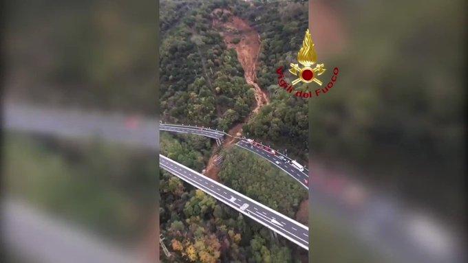 Fuertes lluvias causaron la caída de un puente y bloquearon carreteras en Italia