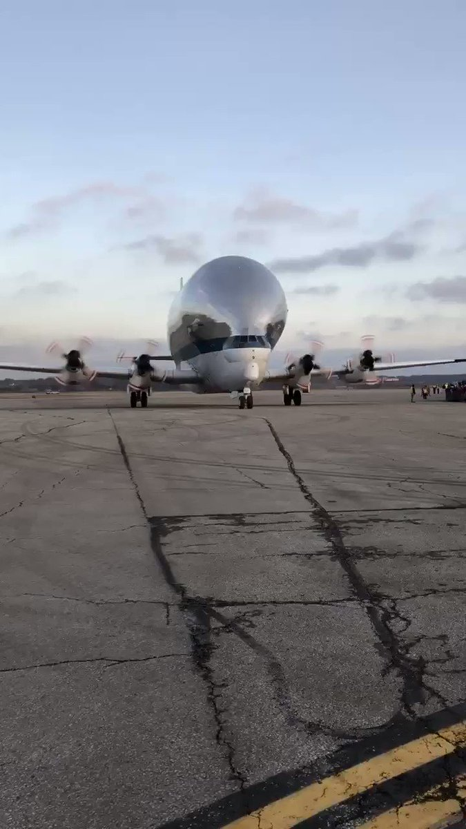 Touchdown! NASA's Super Guppy aircraft has safely landed at Mansfield Lahm Airport. Welcome to Ohio, @NASA_Orion! 💫🎉💫