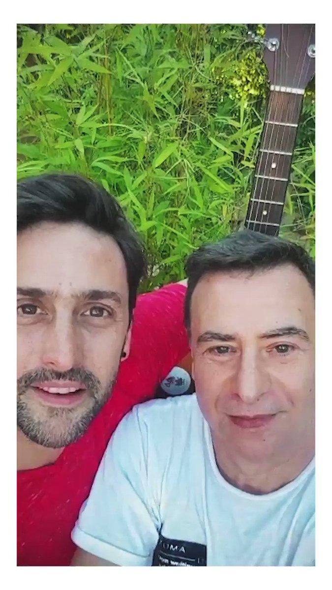 """Este domingo con Rey @Sietecase hacemos """"Pretextos para Guitarra & Voz"""". Sus poemas y mis canciones 🍒  1º de diciembre 18h. Borges 1975 (Palermo)  Entradas acá: https://t.co/yBOlMCw2v8  L@s esperamos!! https://t.co/4DQM3QUQ9Q"""