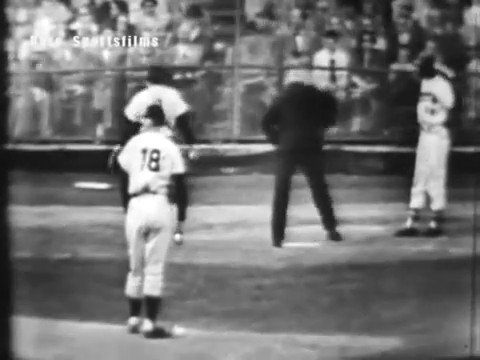 Rare footage of Hank Aaron launching a home run off of Don Larsen during the 1957 World Series!