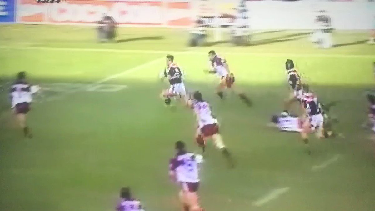 Brad Fittler has scored many brilliant tries in his great career. But I can't say I've ever seen a try scored like this... Crazy. #Easts #Roosters #SydneyCity #Legend #Freddy #classic #oldschool #NRL #Rugbyleaguepic.twitter.com/QjCV0kaazs
